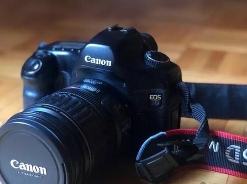 دوربین فول فریم CANON 5D + لنز ۲۸ * ۱۳۵