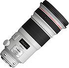 دوربین عکاسی و لنز تله برای نماهای دور استفاده می شود   telephoto lens camera